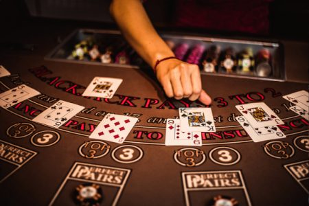 Nine Information Everyone Should Know About Online Casino
